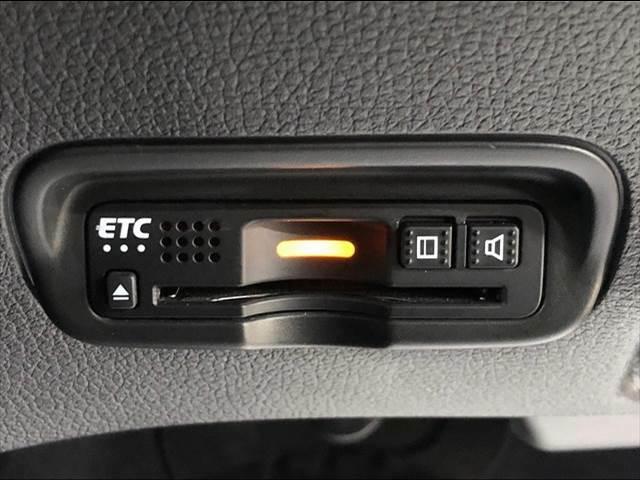 ETC装備。土日の利用料金の割引や、朝夕の通行料金を割引料金で高速道路をお楽しみいただけます。