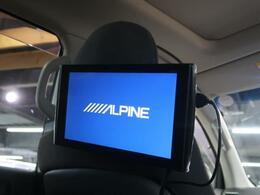 ALPINE ヘッドレストモニターも装備されております♪お子様など、ロングドライブでも退屈せず楽しくお過ごしいただけます。