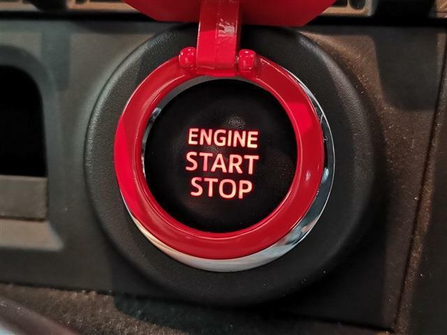 鍵をポケットやカバンに入れたまま、カギの施錠・開錠・エンジン始動・停止が可能です!一度使ったら手放せない便利なスマートエントリーキー!