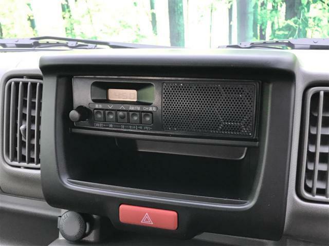 【純正スピーカー付きラジオ】オーディオ本体にスピーカーの付いた、AM/FMラジオ!もちろんお好きなナビも取り付け可能!
