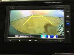 初心者の方や運転に自信のない方でも安心して車庫入れができるリバース連動リアカメラが装着されています。狭い駐車場はもちろん、雨の日や夜間でもストレスなく運転していただけますよ。