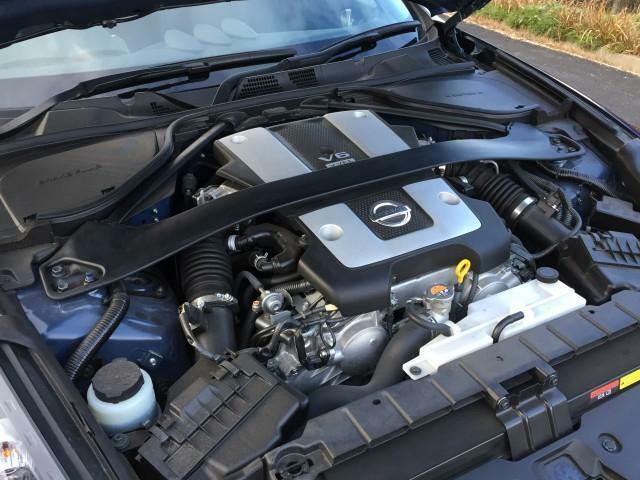 3.7LのV型6気筒自然吸気エンジンに、6速MTまたは7速ATの組み合わせ。MTには、EXEDYの強化クラッチが採用されます。