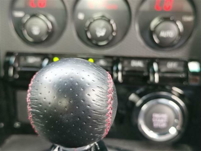 走りの6速MT!!スポーツカー本来の楽しさをご堪能下さい!!