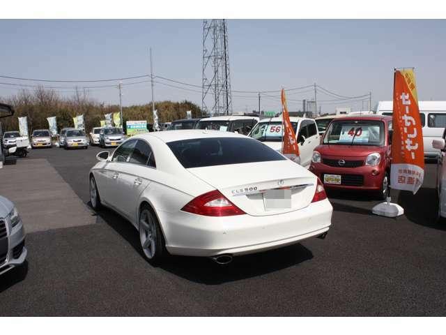 お車購入の各種ローンや保険も数種類御用意してあります。安心して問い合わせ、ご連絡下さい。ローンが通るかの確認だけでも御相談くださいね!029-304-6633