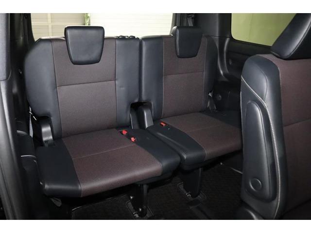いざという時に便利なサードシートです。 普段使わないけど、という方にも急に友人を乗せる時などに便利ですよ。