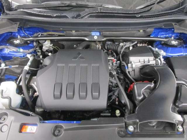 1500CC直噴ガソリンターボエンジンは、8速スポーツモードCVTと併せて、低回転域からの高いトルクによる低速域からのスムーズな加速と優れた燃費性能を両立し、爽快な走りをもたらします。