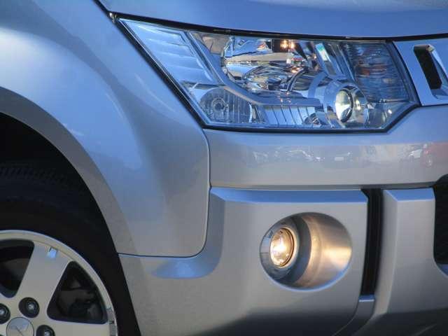 HIDヘッドライト ハロゲンフォグランプ オートライトコントロール コーナリングライト