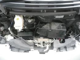 660タイミングチェーン式エンジン。
