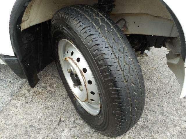 タイヤの山も4本しっかりあります!