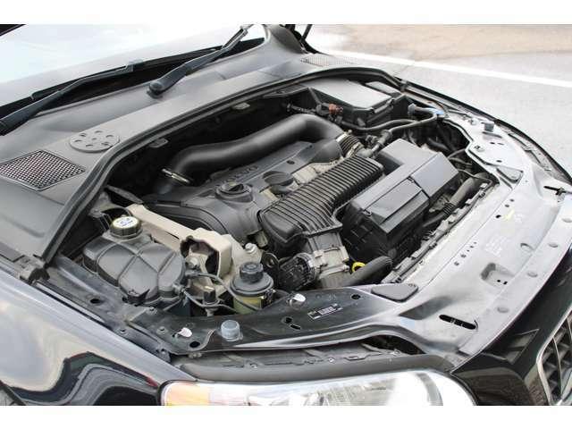 6速オートマチックトランスミッションもシフトショックなくスムーズにドライブできます。