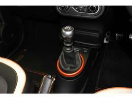 もちろんご購入後のメンテナンスもお任せください!明るく車に詳しい専門スタッフがお客様のカーライフの安心と安全を一番にサポートさせていただきます!