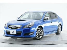 目立つキズも無くキレイな状態でのご案内です♪スバルの特別仕様車といえば「WRブルーマイカ」の外装色じゃないでしょうか?