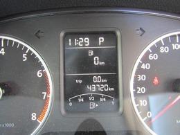 走行4.4万Kmとなっています。ABS、Wエアバック付きです。