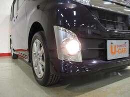 リヤガラスはブラックガラスを採用、車内のプライバシーも守られます。