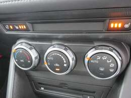 運転席助手席シートジーター&ハンドルヒーターも完備しています。
