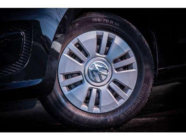 タイヤ、ホイールのコンディションもよくそのままお使いいただけます。タイヤにはコンチネンタルタイヤを使用しております。