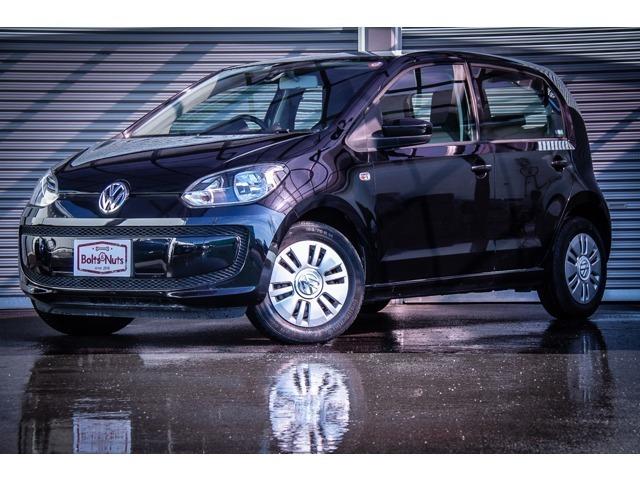 VW UP! ムーブアップの入庫です。走行距離約950キロと非常に低走行のお車です。UP!純正のパイオニア製ポータブルナビを装着しております。
