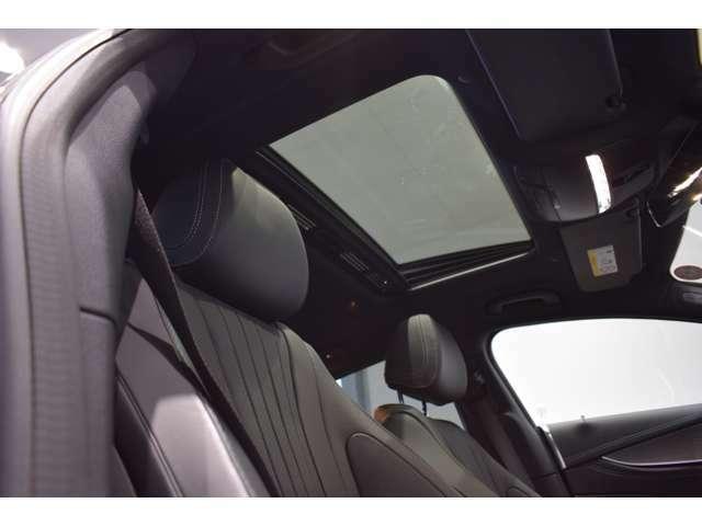 メルセデス独自の厳しいチェックを通過したクルマのみ「サーティファイドカー(認定中古車)」と呼ばれます