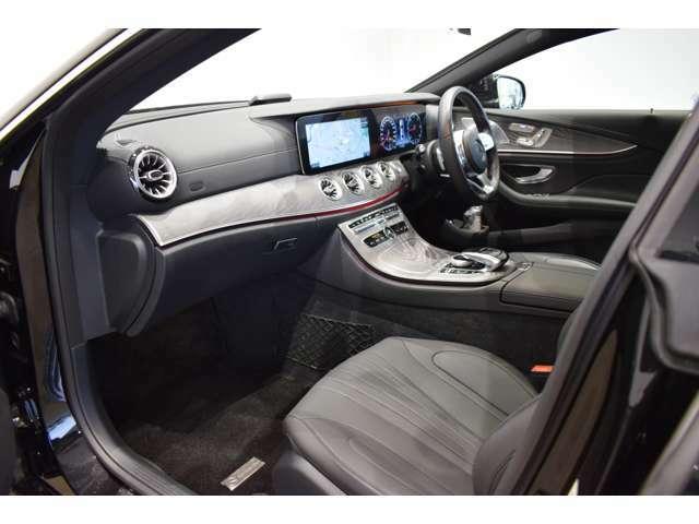 メルセデス・ベンツ/スマート正規販売店で販売される保証付のメルセデス・ベンツおよびスマート認定の中古車で、初度登録から10年未満の車両