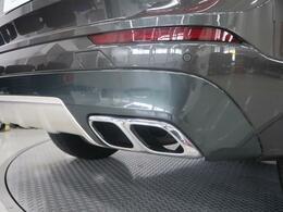 こちらの車両にはディーラーオプションの「エクステリア・スタイリング・パッケージ」が付帯。フロント・リアに装備され、洗礼されたデザインをより際立たせるパーツです。