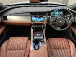 ジャガーランドローバーの認定中古車は専門の知識を持ったメカニックがメーカー指定の165項目の点検、整備と新車保証継承点検を実施します。正規ディーラーならではの高品質車と安心をご提供いたします。