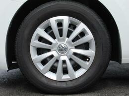 (専用スチールホイール&カバー)車種グレードごとに設定されており、デザインにすっきりとマッチした印象です。