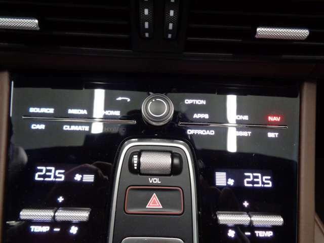 4ゾーンクライメートコントロール付きのエアコン!エ温度やファンスピード、エア配分が調整可能です!