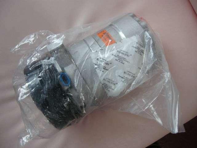 ACコンプレッサーは純正品を使用して2年前に交換しています。
