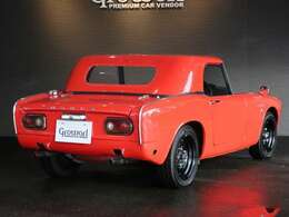 ■1966年1月に登場したS800はS500/S600同様、2座オープンのスポーツカーですが、エンジンを791ccに拡大し、出力を70ps(カタログ値)にアップ!