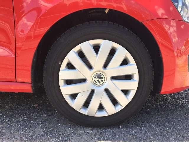 ☆フロントホイール☆純正ホイールカバーのお車となります。フロント&リア共にタイヤ溝7分程となります。