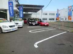 御客様専用駐車場2台有。