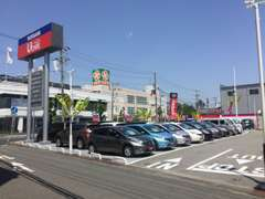 軽自動車から商用車まで、多種多様なお車を揃えております。