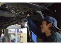 車検、整備、板金、各保険修理等、お客様のご予算、ご要望に応じて承ります。