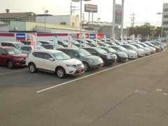 軽自動車から商用車まで,日産車はもちろん他メ-カー車も含め、平均70台の中古車を幅広く展示しております。