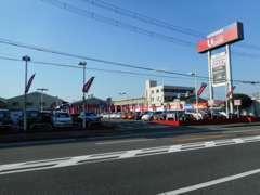 ミニバンコ-ナ-、他にも多数の展示車をご用意しております☆