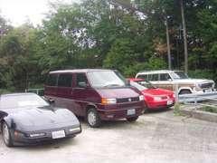 フォードやシボレー等のアメ車から国産旧車や稀少車まで魅力的な車を展示するよう心掛けております!