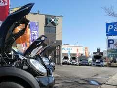 BMW、アウディ、ベンツをはじめとする欧州車が並んでおります。
