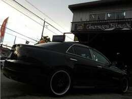 マークXに乗るならやはり車高調にエアロは付いていて欲しいところですよね♪ブラックボディが格好いいですよ~♪