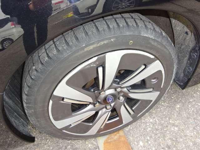 冬タイヤ・純正ホイール。冬タイヤ交換推奨。