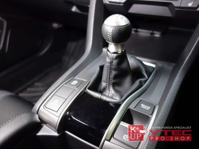 専用チューニングが施された6速マニュアル車!2.4L/NAエンジンを凌駕するトルクとパワーを両立した1.5L 直噴VTEC TURBOエンジン。是非ご購入の上、お楽しみください。