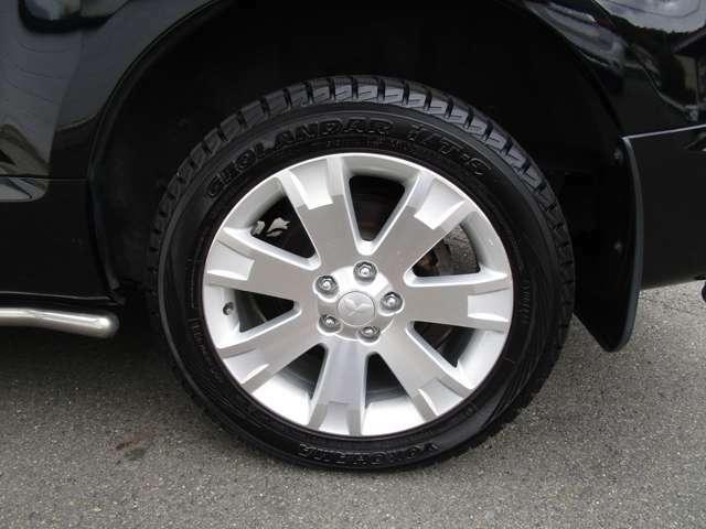 純正アルミホイール タイヤサイズは、225/55R18