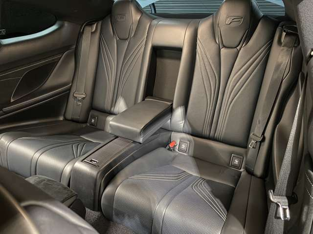 内外装共に、使用感が本当に少ない、状態良好なお車です!是非ご来店予約、現車確認にご来店頂けたらと思います!