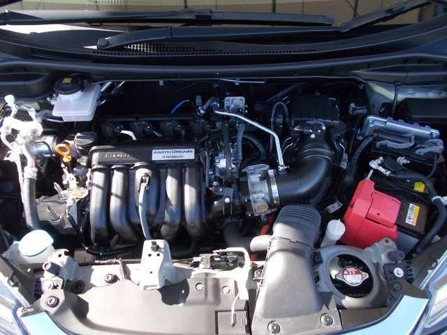 【アイドリングストップ車用バッテリー】過酷な使用環境においても安定した電力供給が行えるように耐久性と充電受入性を強化し、開発された専用バッテリーです。保証:18ヵ月または3万km保証