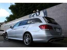人気のE220 ワゴン  ブルーテック アバンギャルド 入庫です!外装色にはイリジウムシルバーを配色!レーダーセーフティPKGを標準装備!安全支援機能も充実です!!