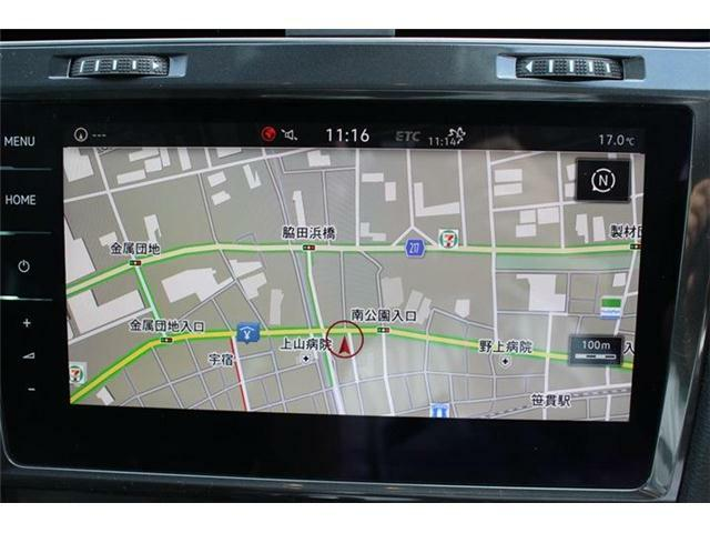 純正ナビDiscover Pro。9.2インチ全面タッチパネル。ジェスチャーコントロール搭載。フルセグTV、CD/DVD、iPod/iPhone/音楽再生(WMA/MP3/AAC)、Bluetoothオーディオ/ハンズフリーフォン対応。