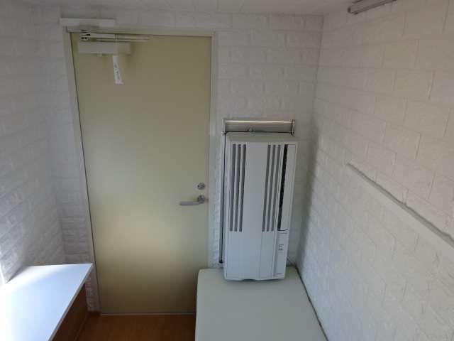 キャンパー内エアコン 冷房専用エアコン