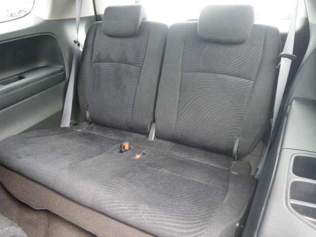しっかり座れるサードシート!