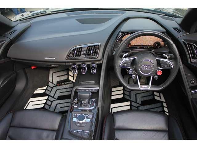 ・カーインテリアのカスタムなど人と違った車に乗りたいなど。そんなあなたのお手伝いを致します。シートの張替え、カラーシートベルト、ダッシュボードの張り替えなど愛車をもっとカッコよくしませんか?