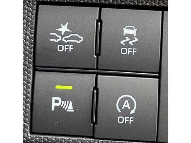 【スマートアシスト3】衝突軽減ブレーキ機能・衝突警報機能・車線逸脱警報機能・誤発進抑制制御機能・前方車発進お知らせ機能・オートハイビームと、多機能な安全装備がついております♪