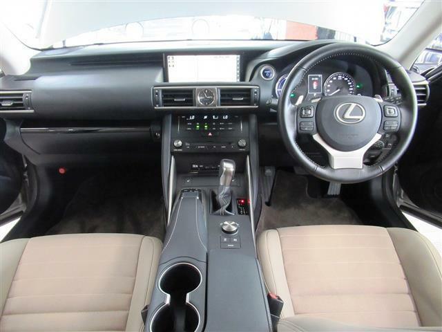 後期型・プリクラッシュS・レーダークルーズC・LDA・ハーフレザー・バックカメラ・BTオーディオ・ヒーター付パワーシート・オートドアミラー・オートドアミラー・コーナーセンサー・LEDライト・ETC